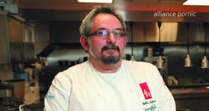 Gilles DEFIVES, a acquis un savoir faire dans les meilleures tables des Relais Châteaux. Chef d'Alliance Pornic depuis 2003, il élabore une cuisine au service de l'authenticité et de la fraîcheur des produits de saison.